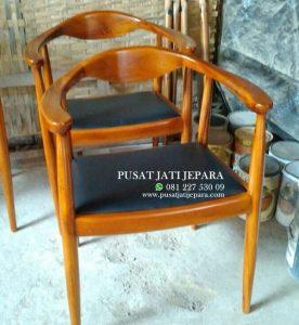 Kursi Cafe Jati Lengkung Natural Solid