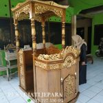 Mimbar Masjid Kubah Emas Ukir Kayu Jati Ready Stock